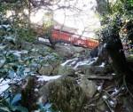 御山神社が見えました